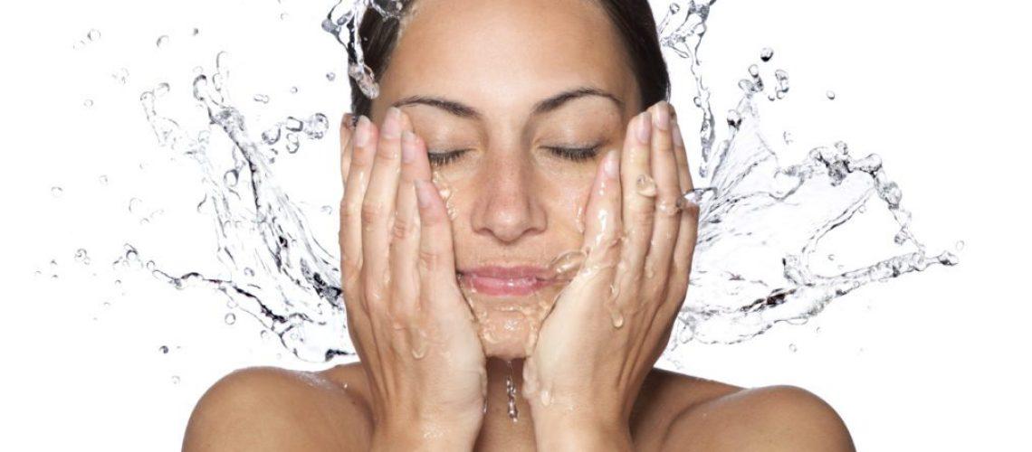 jak nawilżać skórę twarzy